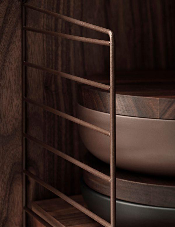 String - brun gavel, detaljbild